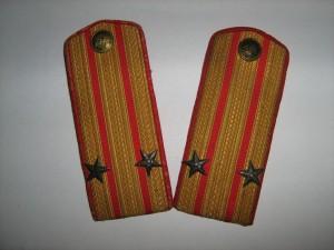 Погоны подполковника пехоты РККА образца 10 января 1943 г.