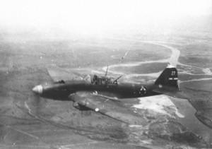 Штурмовик Ил-2 ВВС Народно-освободительной армии Югославии в боевом полете. Апрель 1945 г.