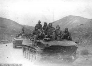 Афганистан. БМД выдвигаются на задание. 1982 г.